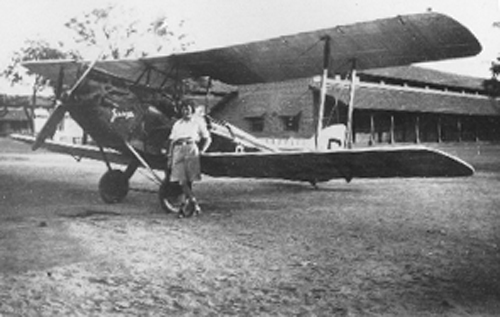 Amy Johnson and her Gypsy Moth aircraft